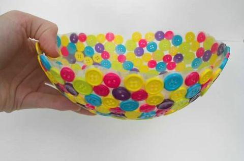 Finger, Colorfulness, Pattern, Sweetness, Nail, Dessert, Thumb, Polka dot, Cake decorating supply, Circle,