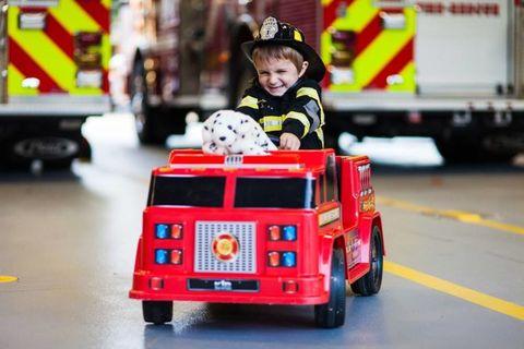 Emergency service, Emergency vehicle, Toy, Service, Helmet, Toy vehicle, Lego, Automotive tail & brake light, Tread, Baby toys,