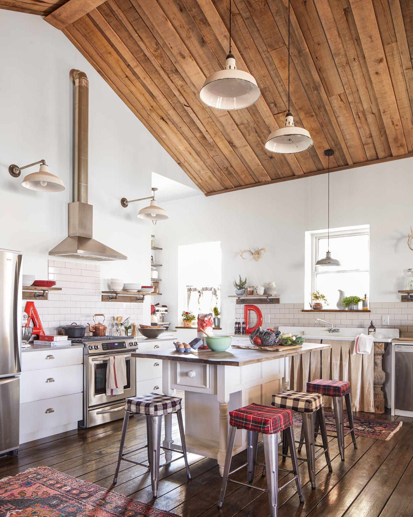 Darryl and Annie McCreary Cabin Decorating Ideas - Rustic Cabin Decor