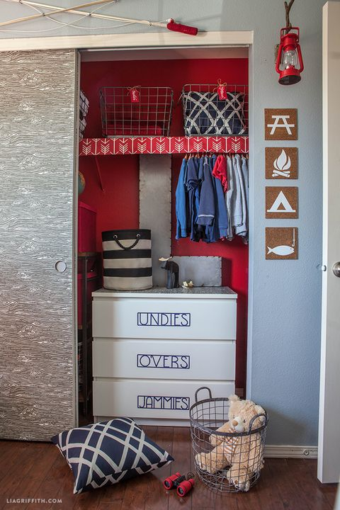 Camping Themed Kid S Bedroom Makeover Little Boy Bedroom Decorating Idea