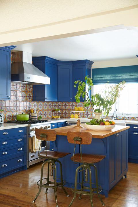 Room, Floor, Furniture, Interior design, Drawer, Cabinetry, Cupboard, Flooring, Countertop, Kitchen,