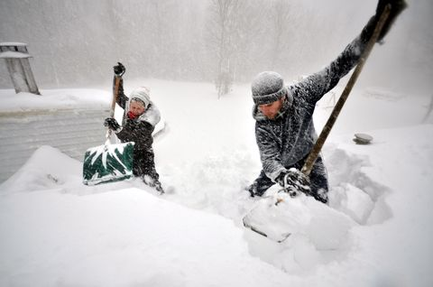 Winter, Freezing, Snow, Adventure, Ice cap, Playing in the snow, Geological phenomenon, Winter storm, Glove, Blizzard,