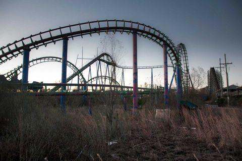 Daytime, Sky, Roller coaster, Infrastructure, Iron, Amusement ride, Landmark, Amusement park, Urban area, Nonbuilding structure,