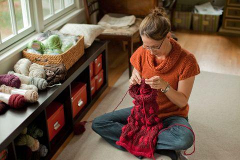 Room, Textile, Interior design, Wool, Comfort, Interior design, Home, Thread, Lap, Woolen,