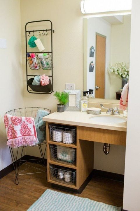Dorm Room Makeovers: Joanna Gaines Dorm Room Makeover