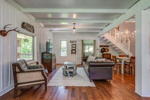Wood, Floor, Room, Interior design, Flooring, Hardwood, Lighting, Wood flooring, Laminate flooring, Ceiling,