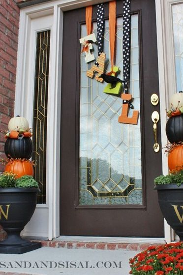 24 Fall Door Decorations Ideas For Decorating Your Front
