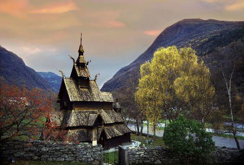 Mountainous landforms, Mountain range, Highland, Hill, Mountain, Hill station, Ridge, Summit, Place of worship, Finial,