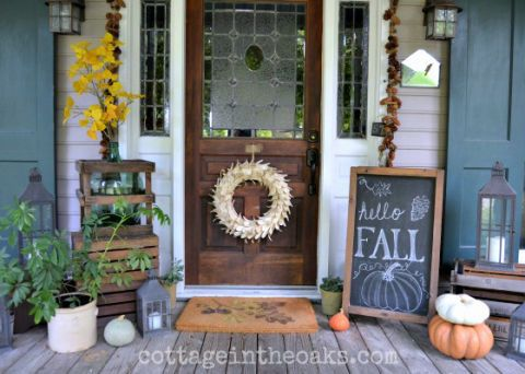 fall porch decorating ideas chalkboard sign