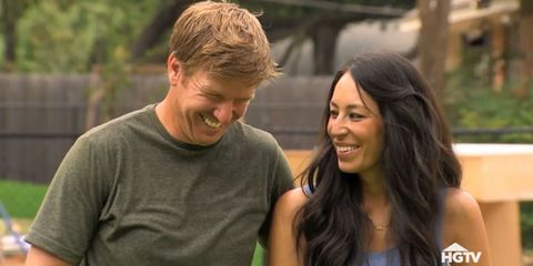 When Fixer Upper Season 3 Premieres Bloopers Of Chip And Joanna Gaines