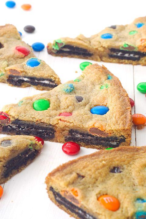 Food, Finger food, Cuisine, Baked goods, Sweetness, Dessert, Ingredient, Recipe, Cookies and crackers, Biscuit,