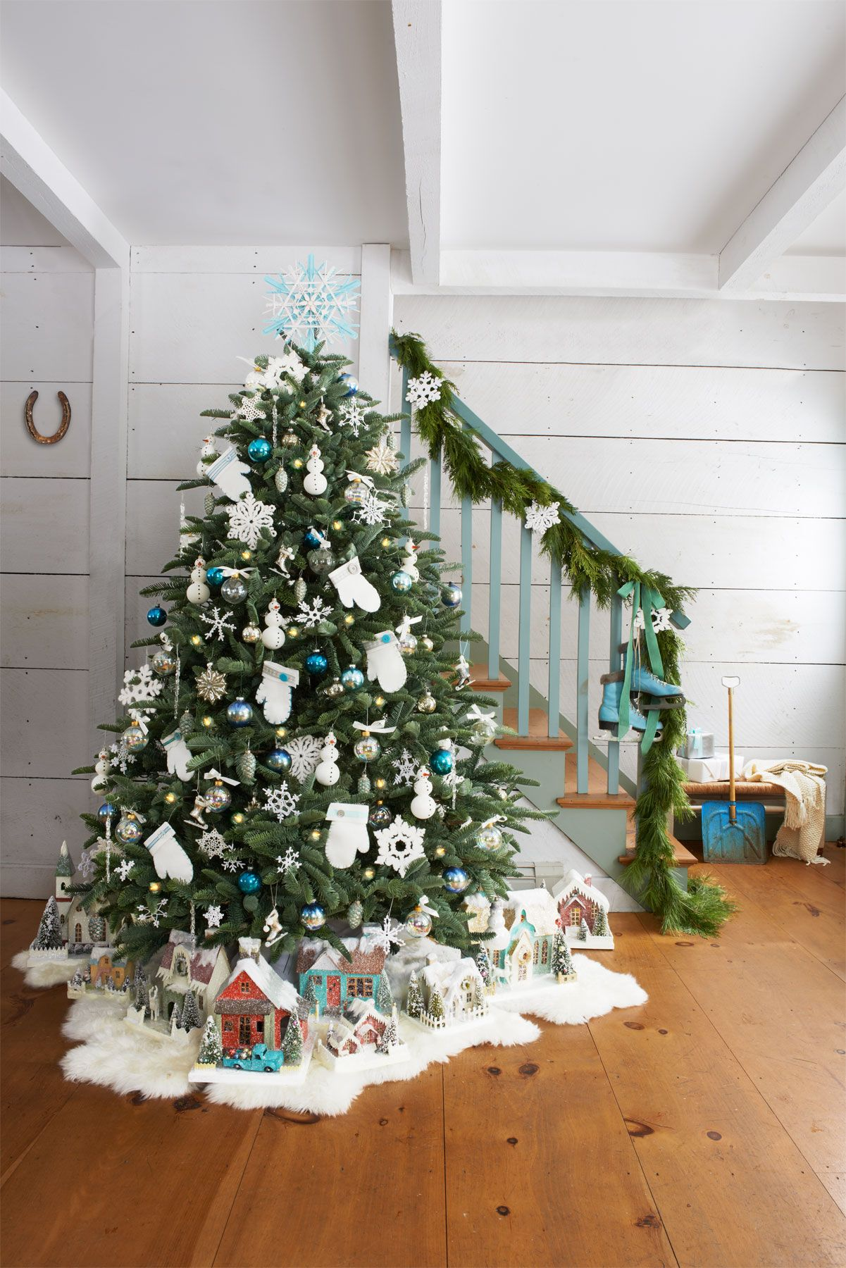 72 best christmas tree decorating ideas how to decorate a christmas tree - Slim Christmas Tree Decorating Ideas