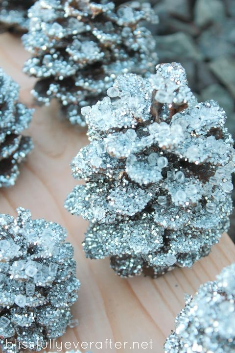 32 Pine Cone Crafts Diy Christmas Decorations Ornament