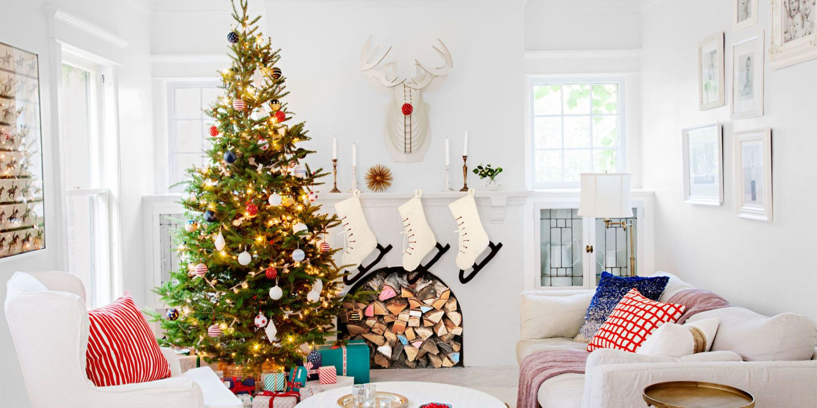 ... Buckets Of Snowy Paint (102 Gallons, To Be Exact!), Minneapolis  Designer Jennaea Gearhart Created A Pristine Backdrop That Lets Holiday  Accents Shine.