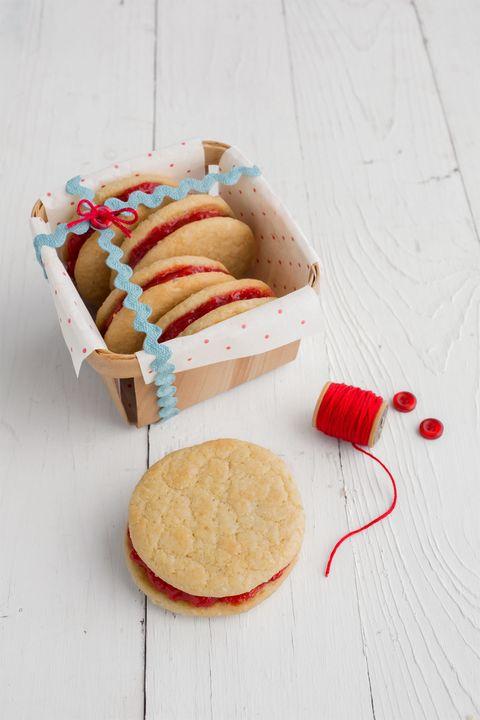 biscuit and jam cookies