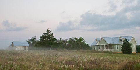 Plant, Cloud, Property, Land lot, House, Real estate, Farm, Plain, Rural area, Home,