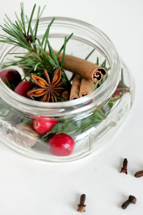 Ingredient, Produce, Serveware, Star anise, Fruit, Still life photography, Cinnamon stick, Natural foods, Cinnamon, Chinese cinnamon,