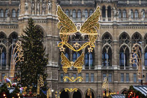 Architecture, Facade, Christmas decoration, Landmark, Holiday, Tradition, Christmas eve, Arch, Christmas, Christmas lights,