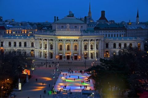 Facade, City, Landmark, Palace, Night, Town square, Classical architecture, Plaza, Metropolis, Official residence,