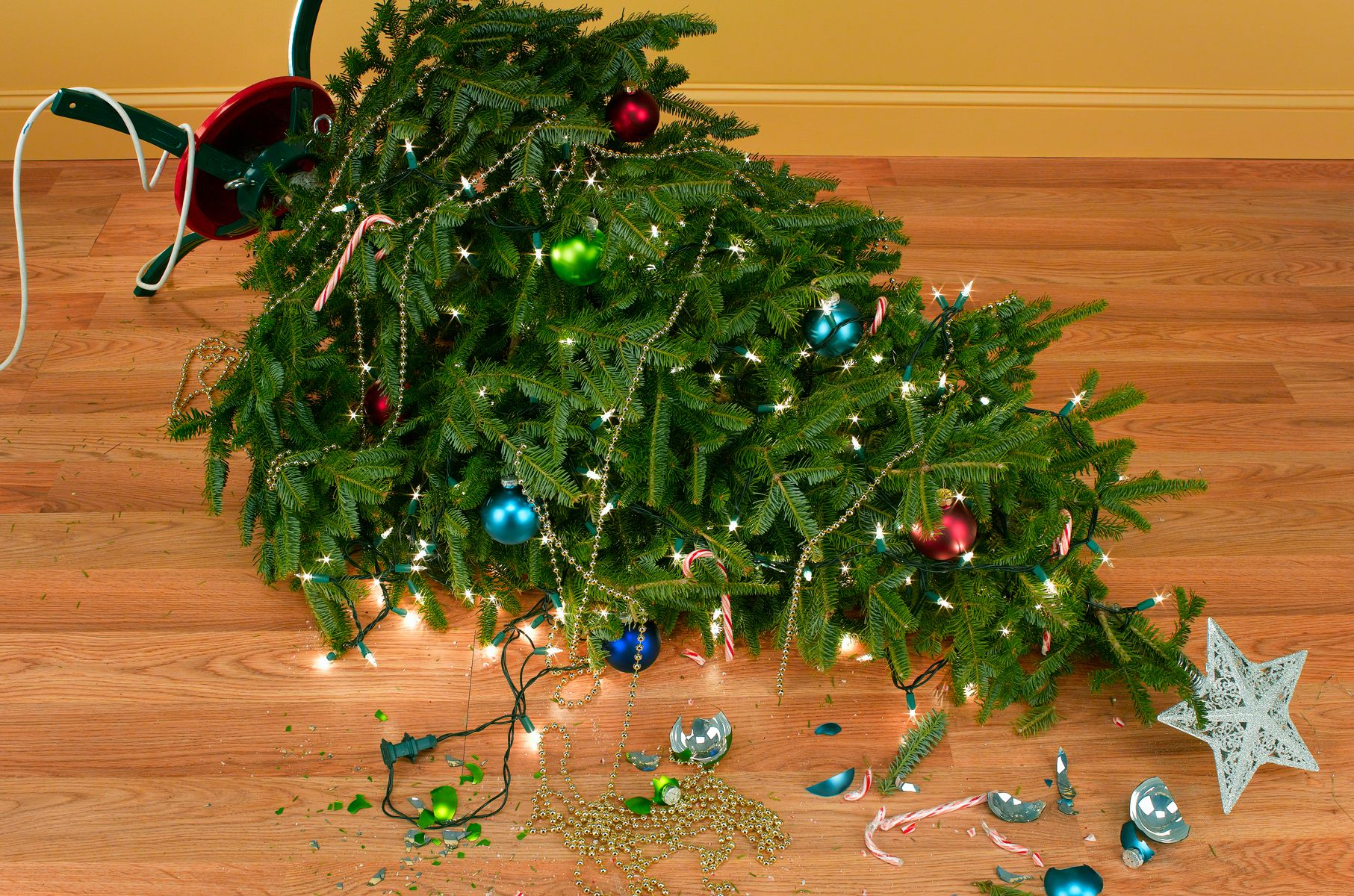 How to Reuse Christmas Decorations - Things to Never Throw Away