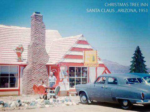 Window, Vehicle, Classic car, Car, House, Roof, Classic, Hardtop, Vintage car, Snow,