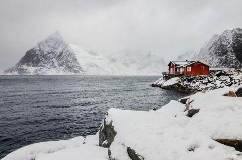 Winter, Mountainous landforms, Freezing, Mountain range, Snow, Highland, Ice cap, Mountain, Glacial landform, House,