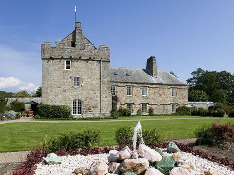 Plant, Garden, Shrub, House, Manor house, Medieval architecture, Castle, Mansion, Groundcover, Landscaping,