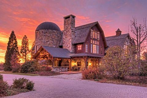 barn mansion