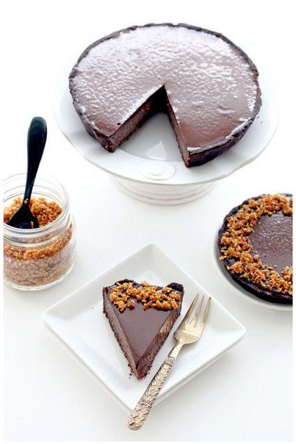 Brown, Ingredient, Finger food, Brush, Dessert, Cuisine, Recipe, Snack, Baked goods, Chocolate,