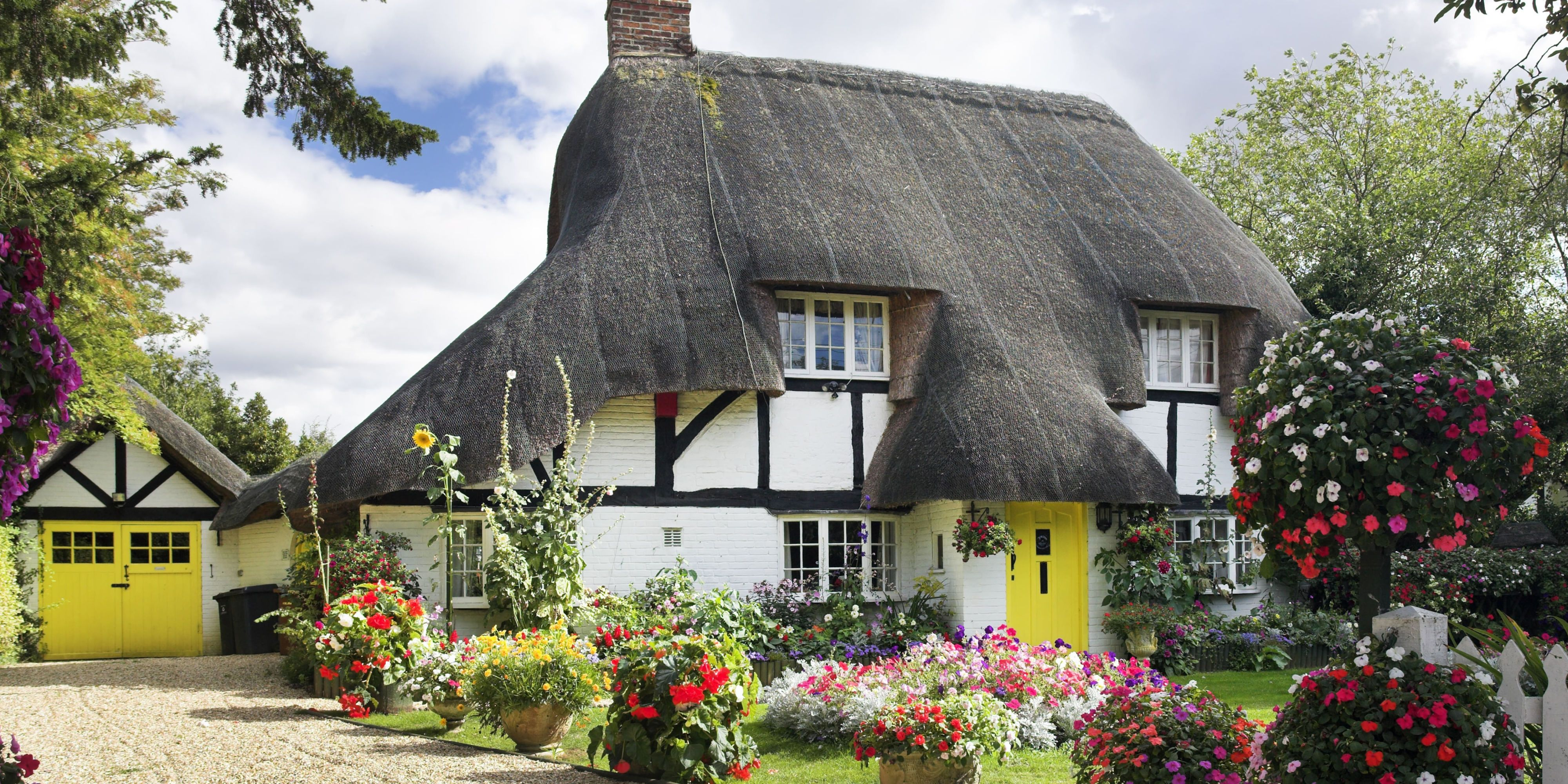 11 photos of english country cottages that make us want one right now rh countryliving com images of french country cottages pictures of country cottages interiors