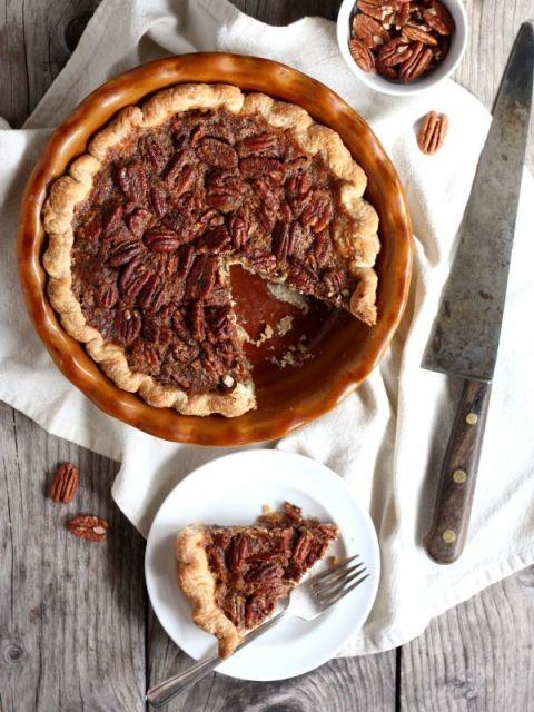 Food, Dish, Ingredient, Tableware, Plate, Cuisine, Pecan pie, Dishware, Recipe, Serveware,