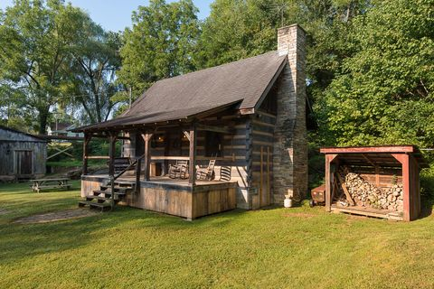 Property, Land lot, Rural area, Roof, Park, Shade, Cottage, Lawn, Yard, Log cabin,