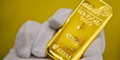 Metal, Payment card, Debit card, Brass, Safety glove, Gold, Label, Credit card,