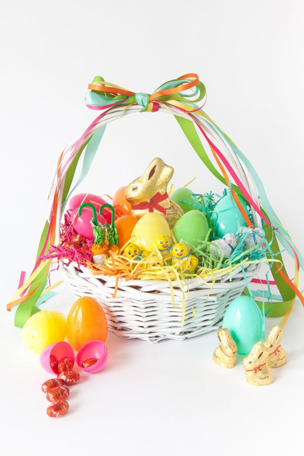 21 cute homemade easter basket ideas easter gifts for kids and adults solutioingenieria Choice Image