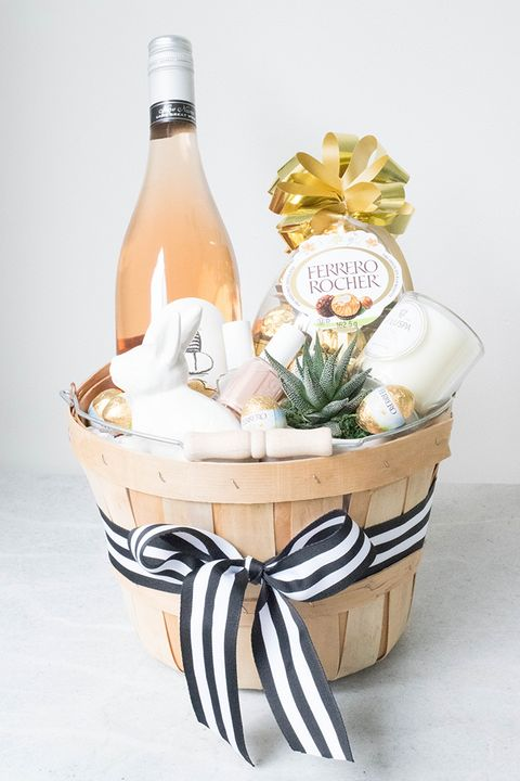 21 cute homemade easter basket ideas easter gifts for kids and adults courtesy of tessa lindsay garcia easter brunch hostess basket negle