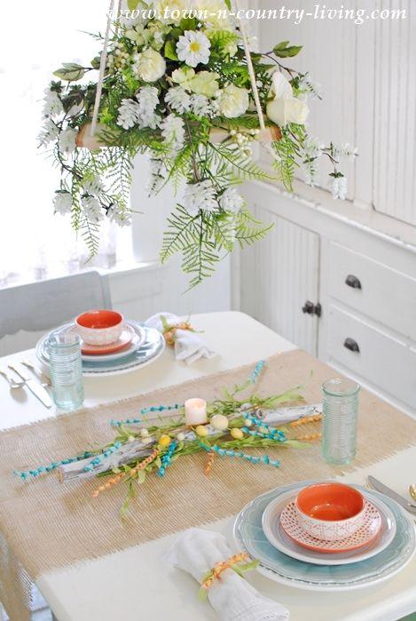 Serveware, Dishware, Furniture, Table, Petal, Orange, Tablecloth, Bouquet, Linens, Home accessories,