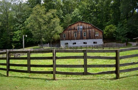 Wood, Property, Landscape, Pasture, Tree, Land lot, Rural area, House, Home fencing, Ranch,