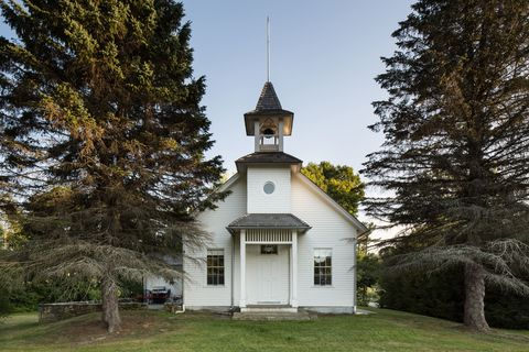 Property, Land lot, Real estate, Rural area, Door, Church, Place of worship, Lawn, Trunk, Finial,