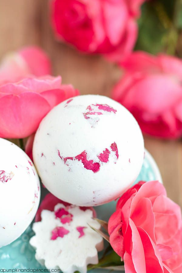 64 DIY Mothers Day Crafts