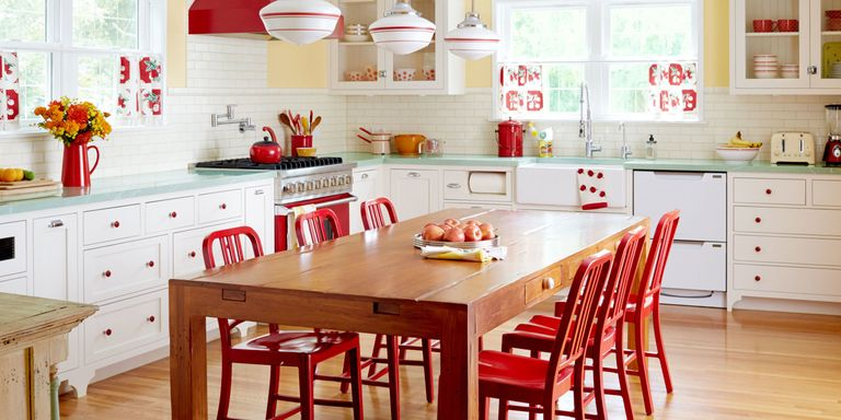 retro kitchen. It May Look Retro  But This Brand New Space Is Full Of Surprisingly Fresh Ideas Read On For A Heaping Helping Sunny Colors Cheerful Accents And The Retro Kitchen Decor Ideas