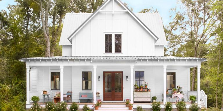 Nestled In A Historic Georgia Neighborhood This New Build Farmhouse Offers Up Age Old Appeal And One Peach Of Front Porch