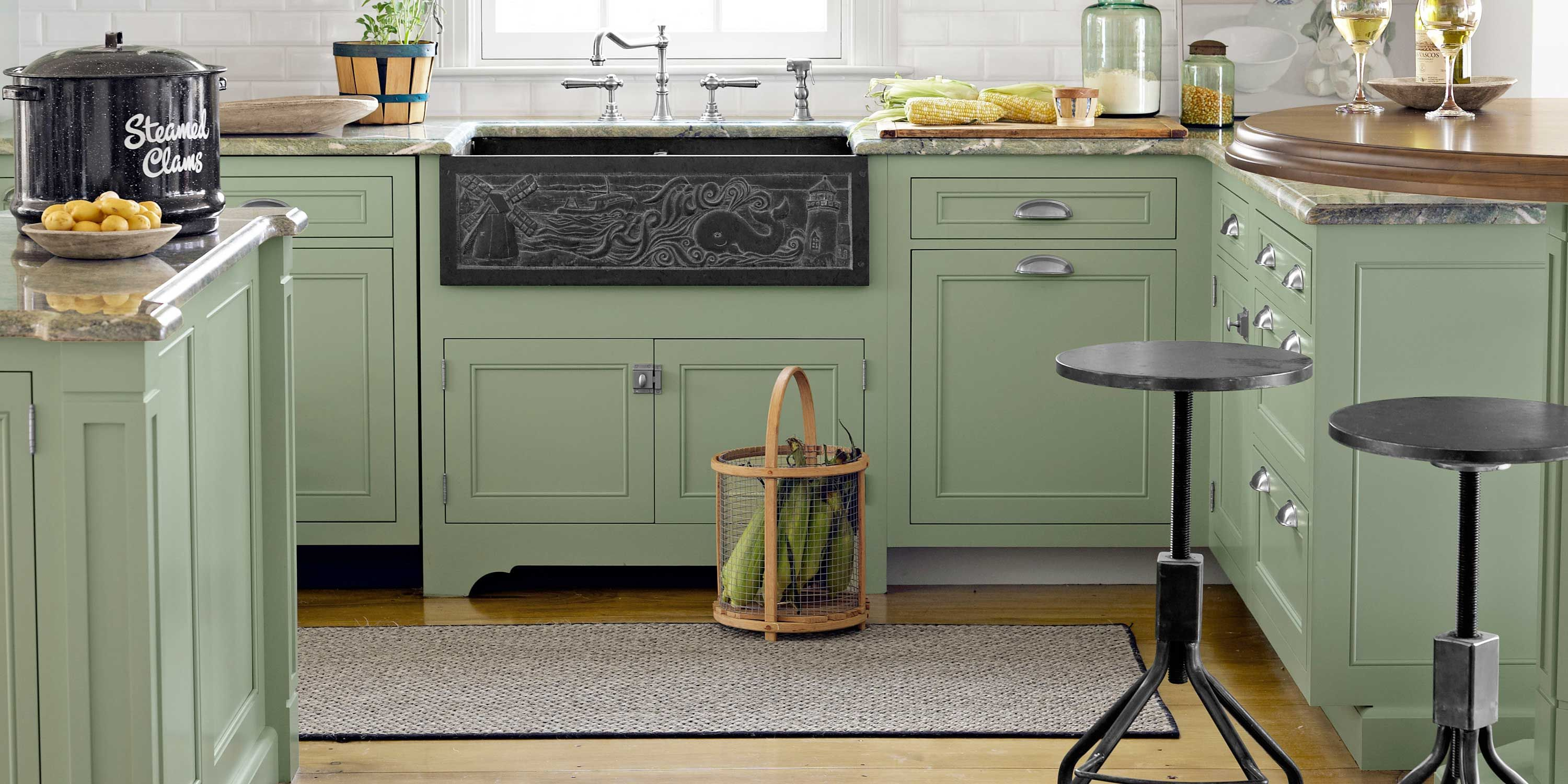 27 Interior Designers Reveal Their Favorite Kitchen Paint Colors