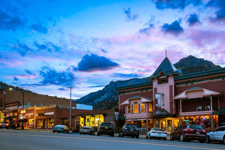 Best small towns for summer vacation towns to visit this for Best small towns in colorado to visit