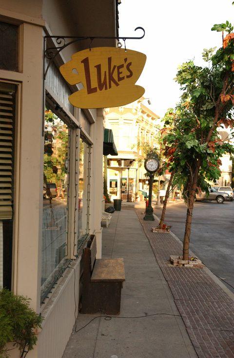 Neighbourhood, Town, Street, Sidewalk, Walkway, Signage, Cobblestone, Curb, Sign,
