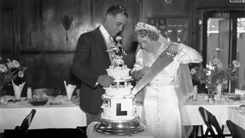 7 Wedding Traditions That Have Disappeared Over The Past Century