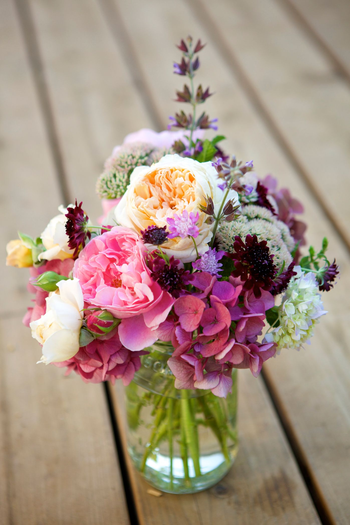 40 Easy Floral Arrangement Ideas - Creative DIY Flower Arrangements
