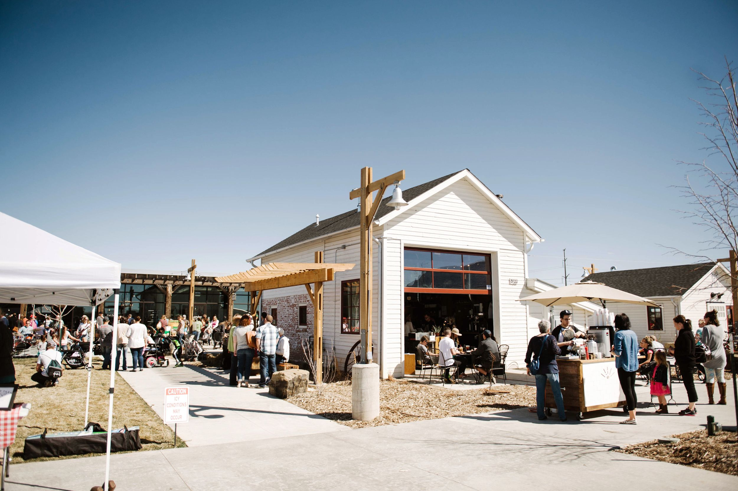 Farm-to-Table Communities - Planned Communities with Farmers Markets