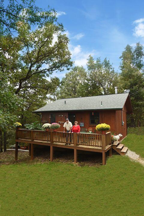 Wood, Plant, House, Roof, Rural area, Cottage, Log cabin, Lumber, Home, Spring,