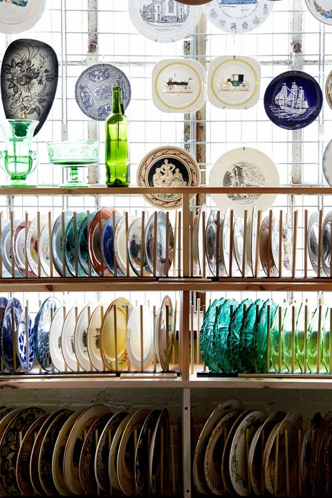 Collection, Shelf, Dishware, Circle, Bottle, Natural material, Barware, Shelving, Retail, Home accessories,