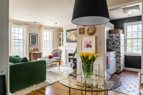 Interior design, Room, Green, Floor, Flooring, Ceiling, Home, Wall, Interior design, Living room,